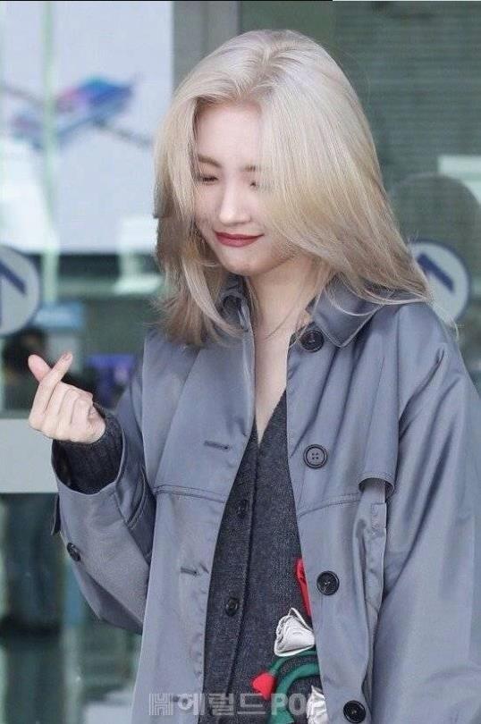 宣美增肥八斤后 意外撞脸刘亦菲 美丽的女人都有相似之处