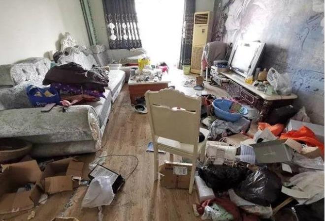 女子出租婚房两年后变垃圾场 满地垃圾猫屎 讨说法反遭辱骂