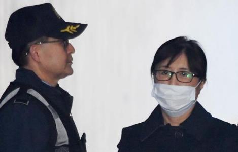 崔顺实喊朴槿惠替她作证登上热搜怎么回事?
