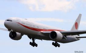 安倍专机突发火灾机上出现混乱 专机为波音777-300ER