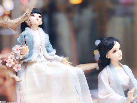 爸爸为女儿做120多件手工玩具 获得众多网友的点赞